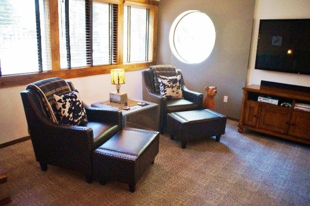 #271 - 300 Steps to the Mammoth Village and Gondola from our bright and open 2 story townhouse -