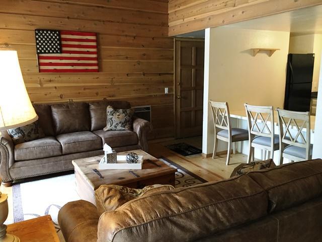 #285- Rustic Inspired 1 Bedroom with Loft 2 Bath Retreat  -
