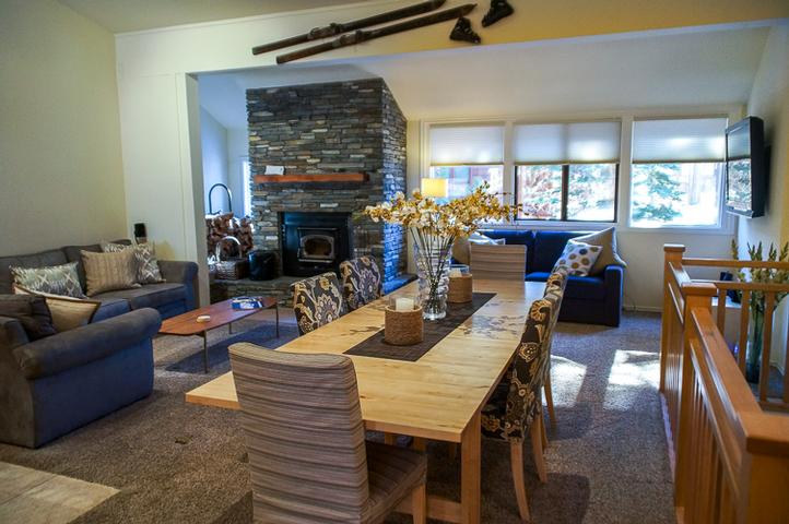 #409 - Luxuriously Remodeled Condo, Steps from the Village and Gondola -